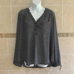 Candie's black gray white patterned shirt